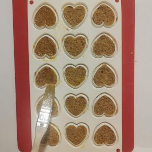 Biscuit coco imbibé sur insert coeur