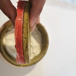 Montage charlotte fraise matcha - insert