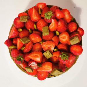 Montage charlotte fraise matcha - finition